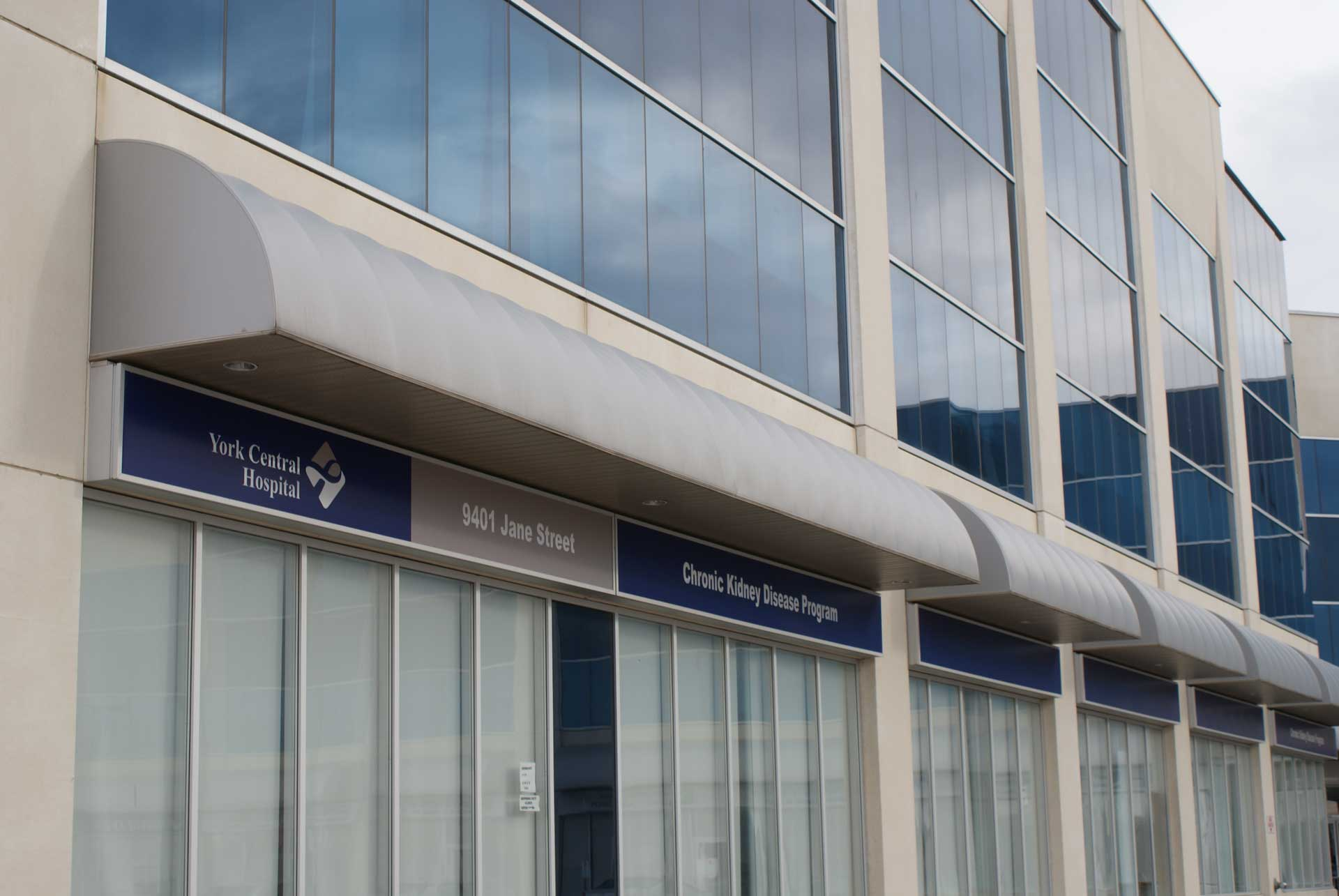 Awnings   reasigns   Vaughan sign company